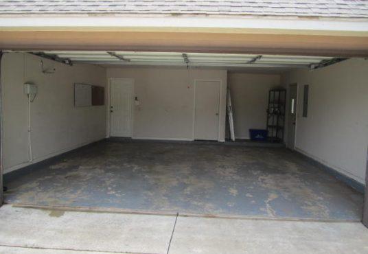 16656 Parkhurst Road Garage