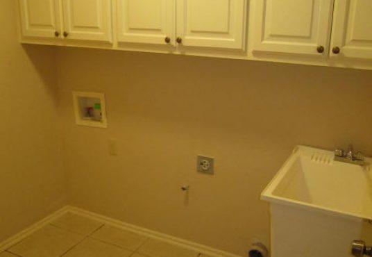 16656 Parkhurst Road Laundry Room